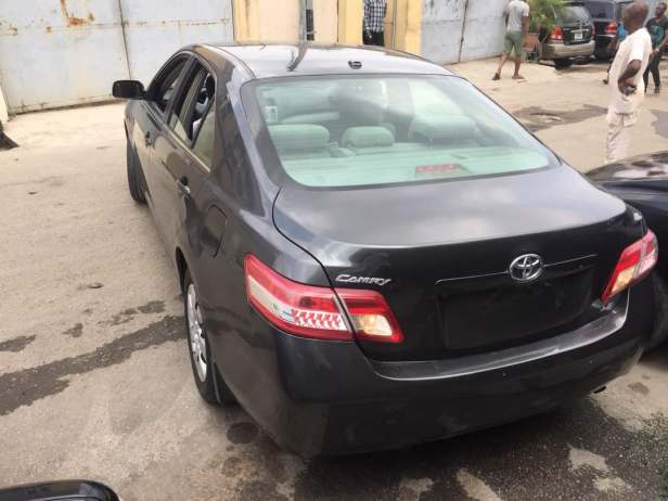 Toyota camry cars for sale g9ija running lightsauto headlampspower mirrorspower lockspower windowstachometertrip computersplit folding seats security system so much more aloadofball Images