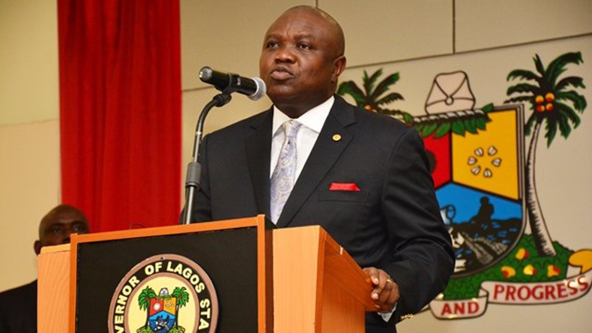 Lagos begins fixing potholes on 87 major roads