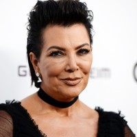 64 Years Old Kris Jenner Debuts Brand New Face After Invasive Plastic Surgery (Photos)